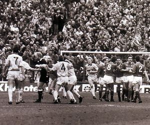 NOTTS FOREST AWAY 1989 to 90 crosby goal