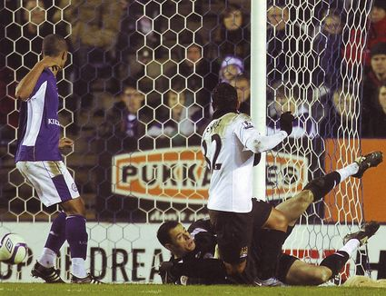 leicester away fa cup 2010 to 11 tevez goal