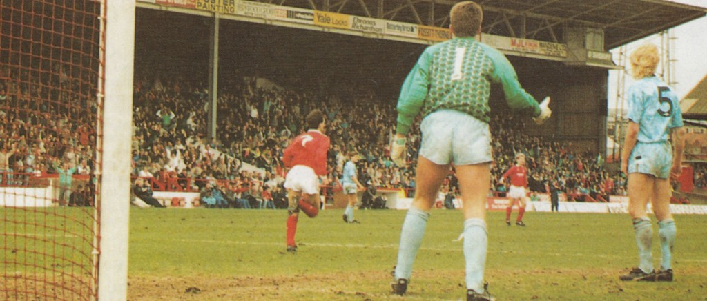 notts forest away 1989 to 90 crosbie goal5