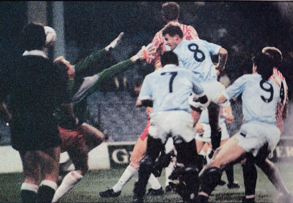 sheff utd home 1988 to 89 moulden 1st goalb