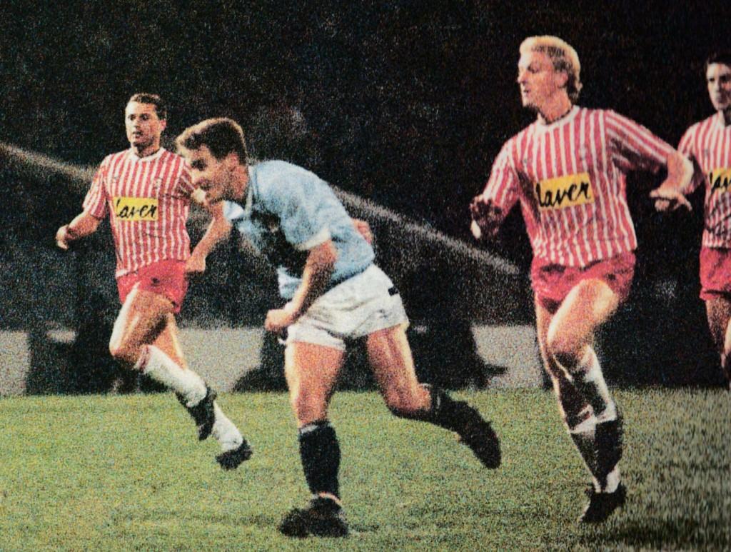 sheff utd home 1988 to 89 moulden 2nd goalb