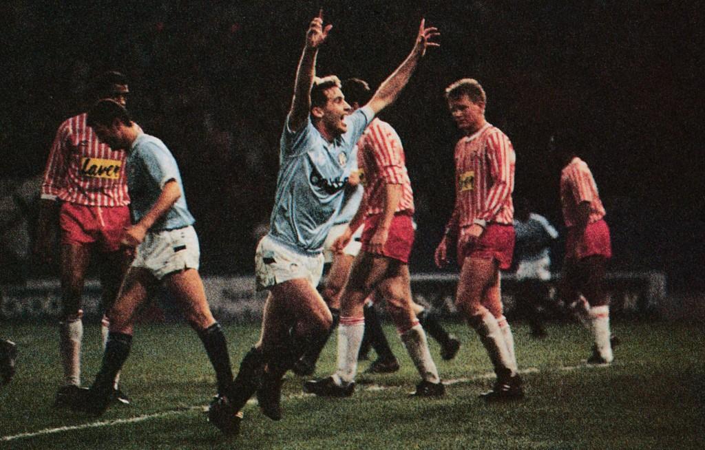 sheff utd home 1988 to 89 moulden 3rd goalb