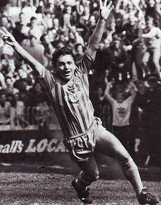 charlton home 1984 to 85 simpson goal