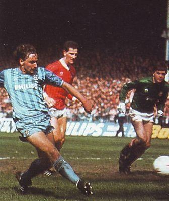 charlton home 1984 to 85 simpson goal2
