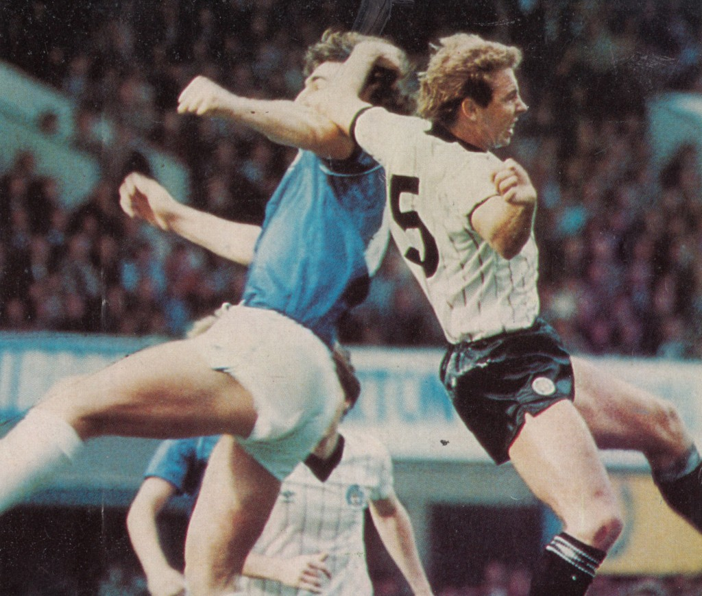 everton away 1982 to 83 action5
