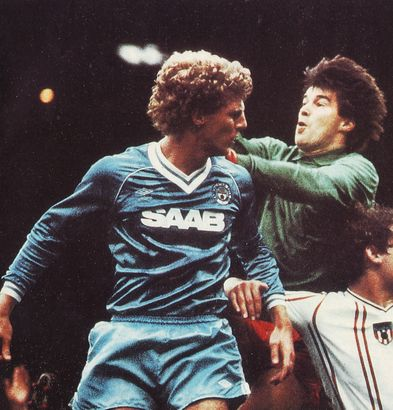 sunderland home 1982 to 83 action