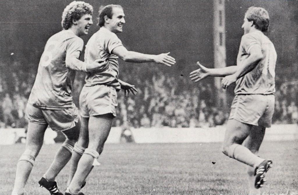 swansea home 1982 to 83 tueart goal
