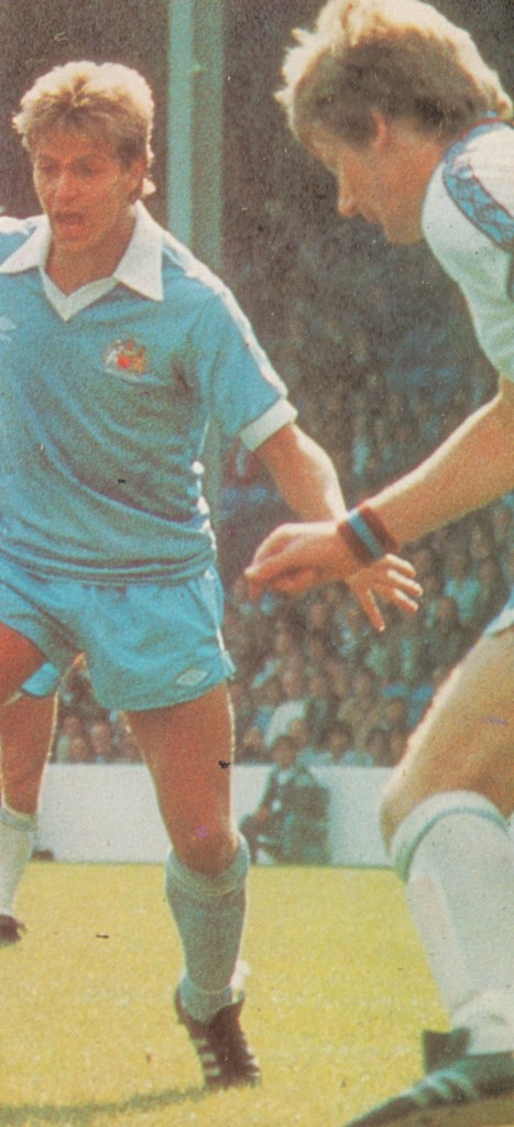 aston villa home 1980 to 81 action10