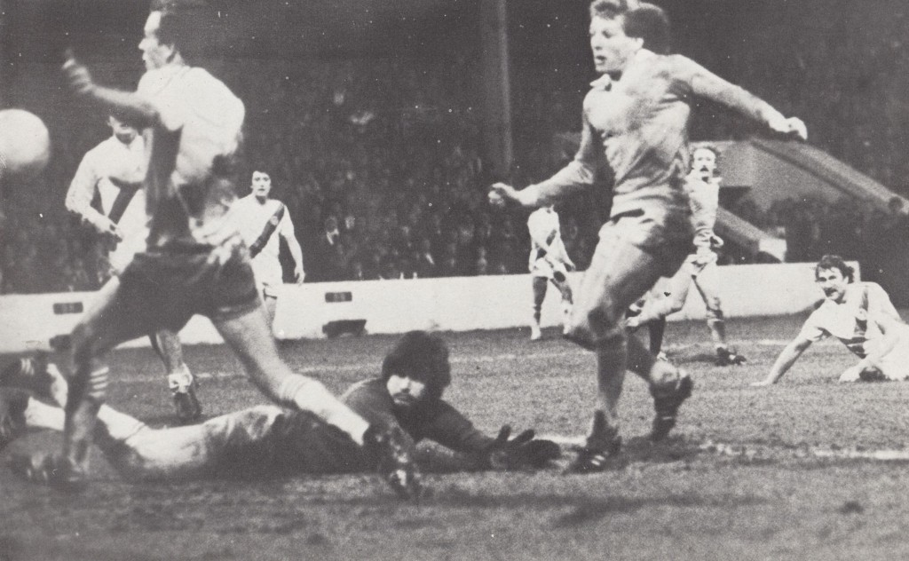 crystal palace fa cup 1980 to 81 action boyer goal