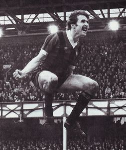 everton away FA Cup 1980 to 81 power goal1