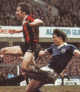 everton away FA Cup 1980 to 81 power goal4