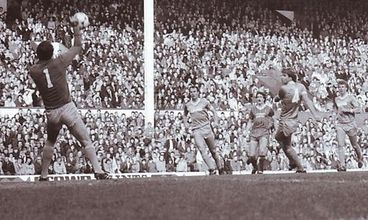 liverpool away 1982 to 83 action