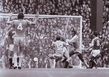 man united away 1980 to 81 palmer goal 2