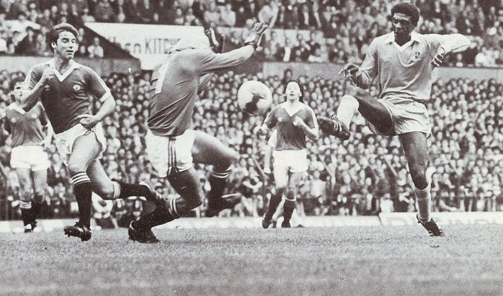 man utd away 1980 to 81 palmer goal