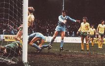 norwich home 1982 to 83 cross goal3