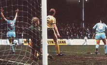 norwich home 1982 to 83 cross goal4
