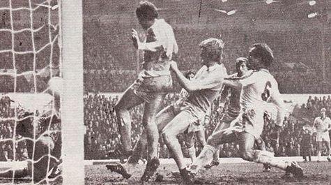 Leeds away fa cup 1977 to 78 barnes goal