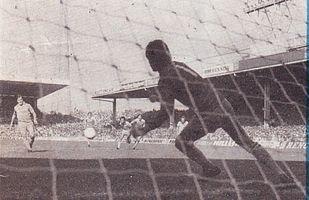 brighton home 1979 to 80 robinson pen goal2