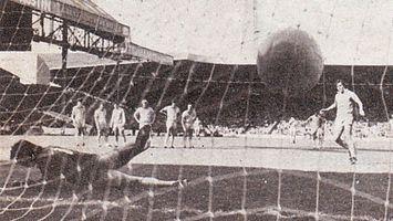 brighton home 1979 to 80 robinson pen goal3