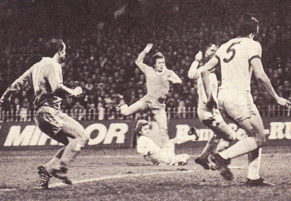 chelsea home 1977 to 78 barnes goal