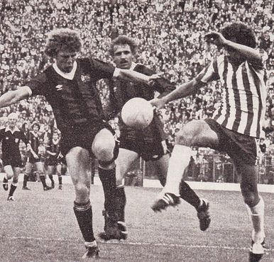 sheff weds league cup 1979 to 80 action2