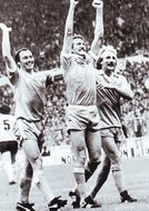 spurs fa cup final 1980 to 81 hutchinson goal3