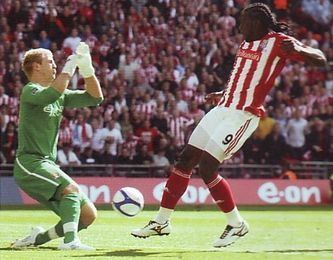 stoke fa cup final 2010 to 11 action5