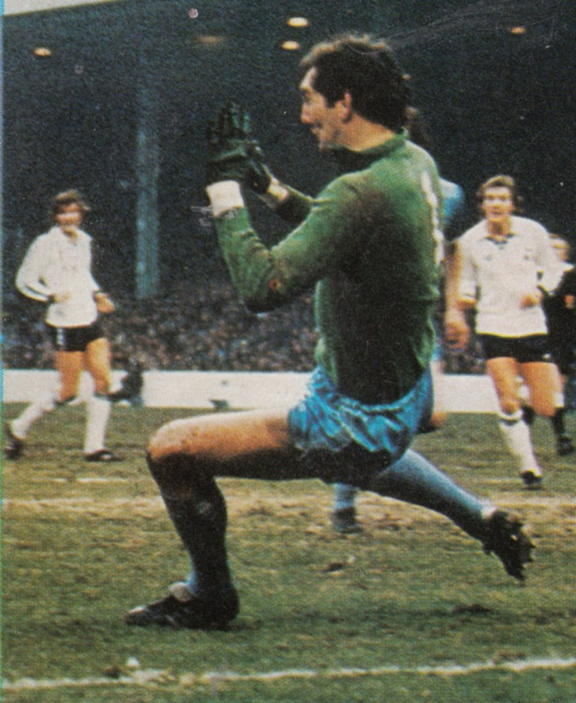 tottenham home 1979 to 80 action4