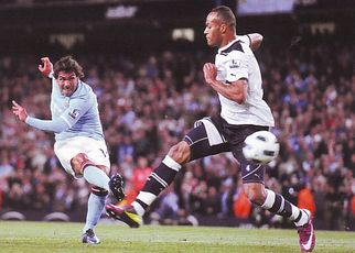 tottenham home 2010 to 11 action