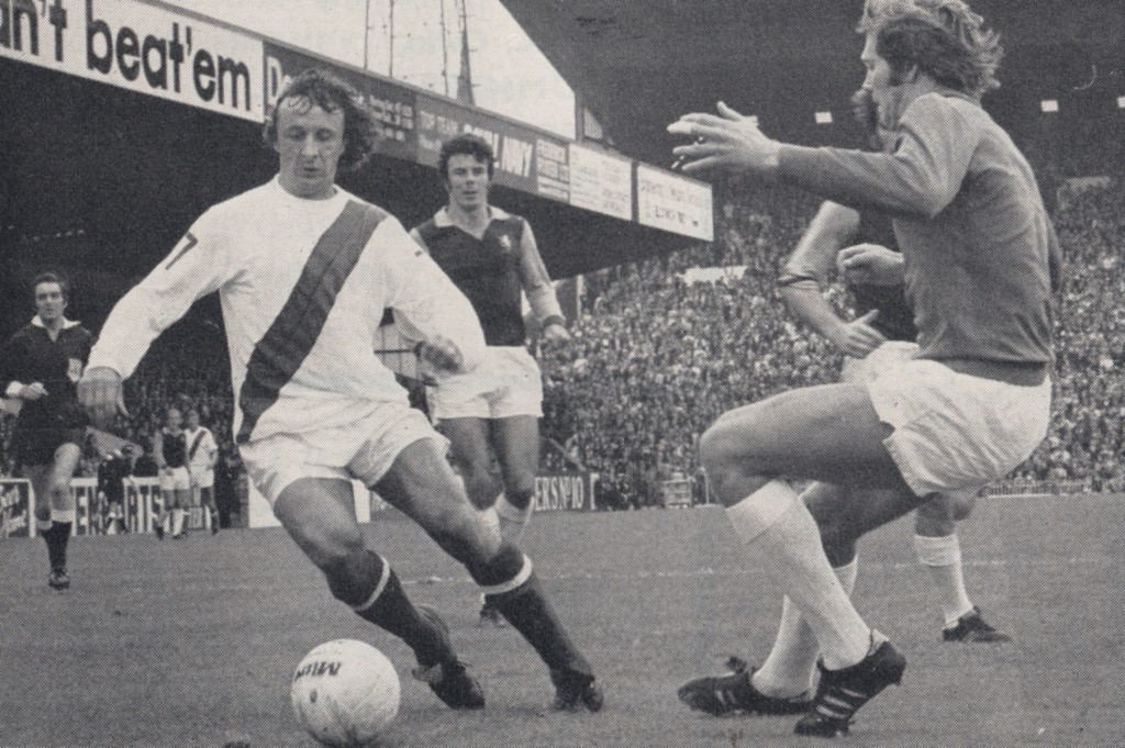 aston villa charity shield 1972 to 73 action 9