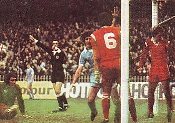 leicester home 1976 to 77 kidd 2nd goal3