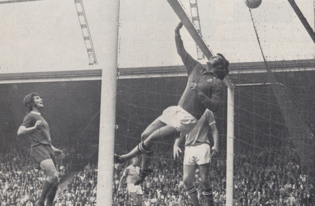 liverpool away 1972 to 73 action 8