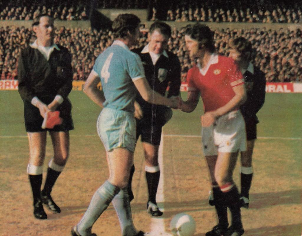 man utd away 1976 to 77 kick off