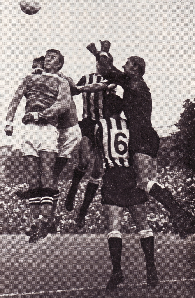 newcastle away 1969-70 action2