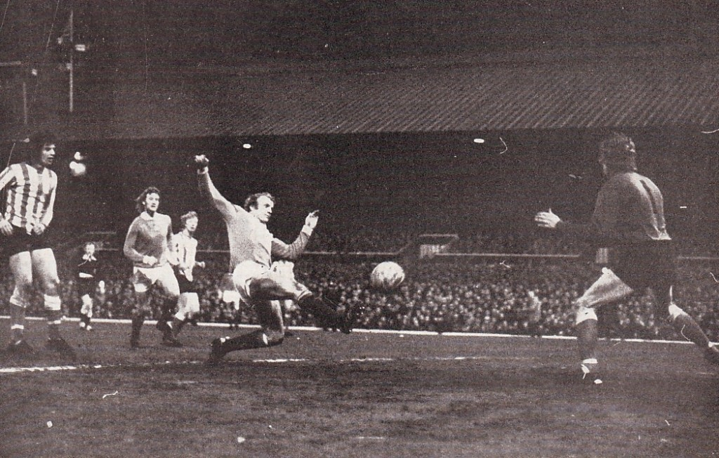 sunderland away fa cup 1972 to 73 lee goal