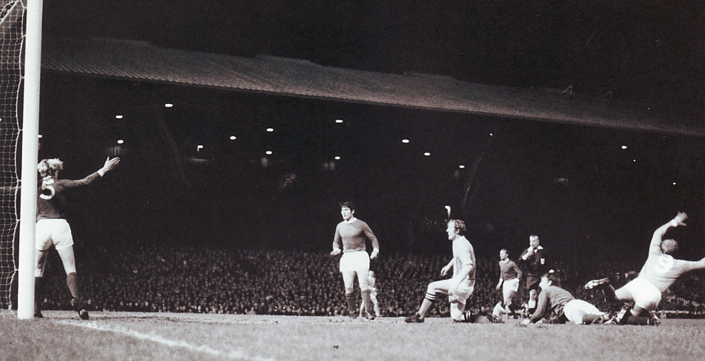 Man Utd Away League Cup Semi 1969-70 bowyer goal