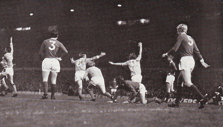 Man Utd Away League Cup Semi 1969-70 bowyer goal3