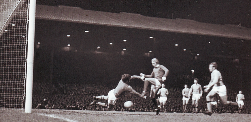 Man Utd Away League Cup Semi 1969-70 law utd goal