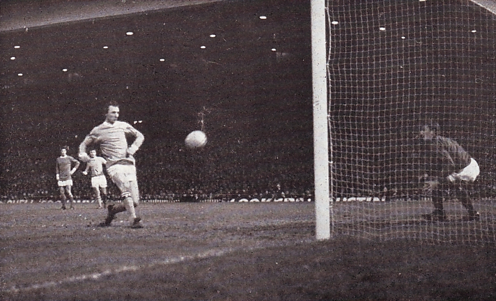 Man Utd Away League Cup Semi 1969-70 summerbee goal2