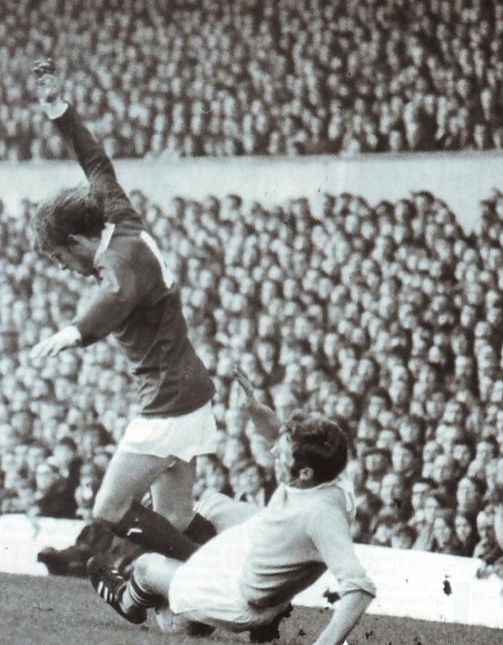 man utd away 1969 to 70 action 3