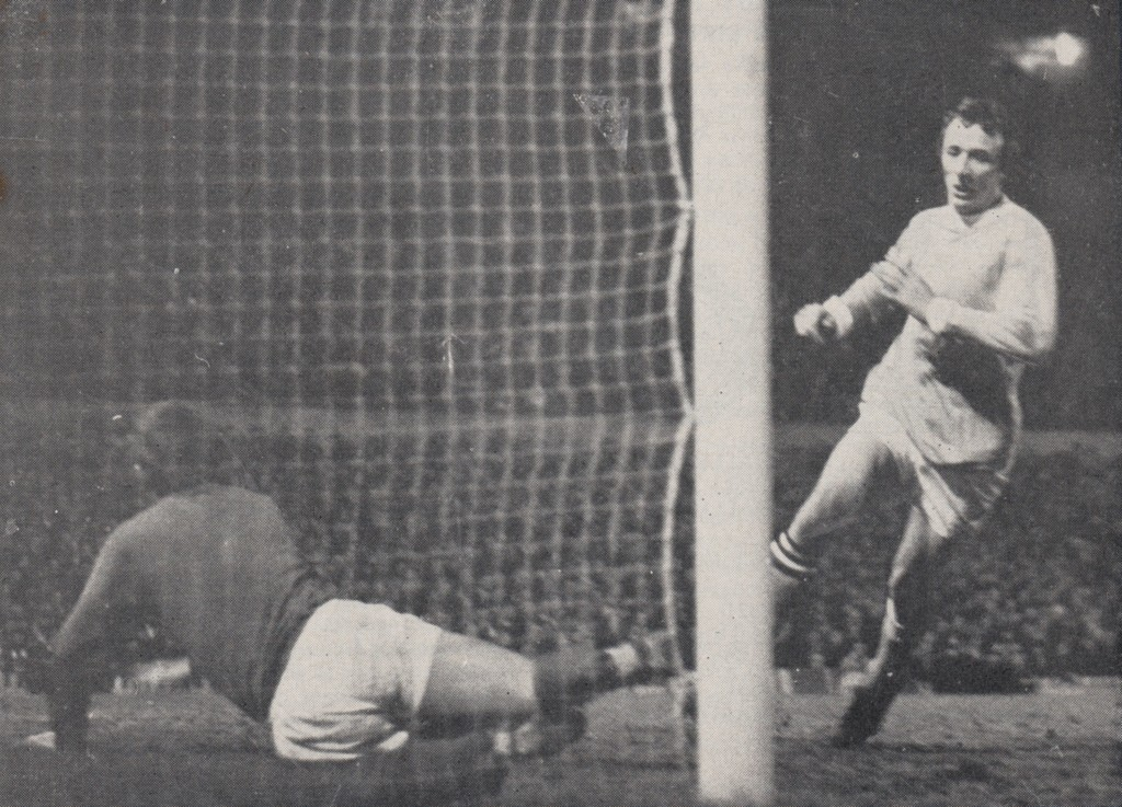 manchester united away league cup semi 1969 to 70 summerbee goal3