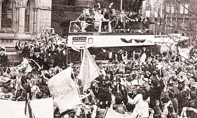 1968-69 fa cup final bus mcr