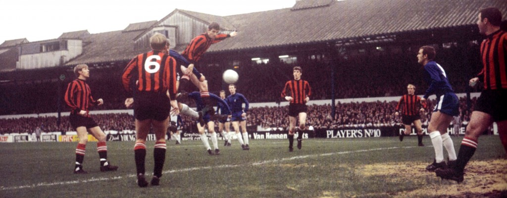 chelsea away 1968 to 69 action