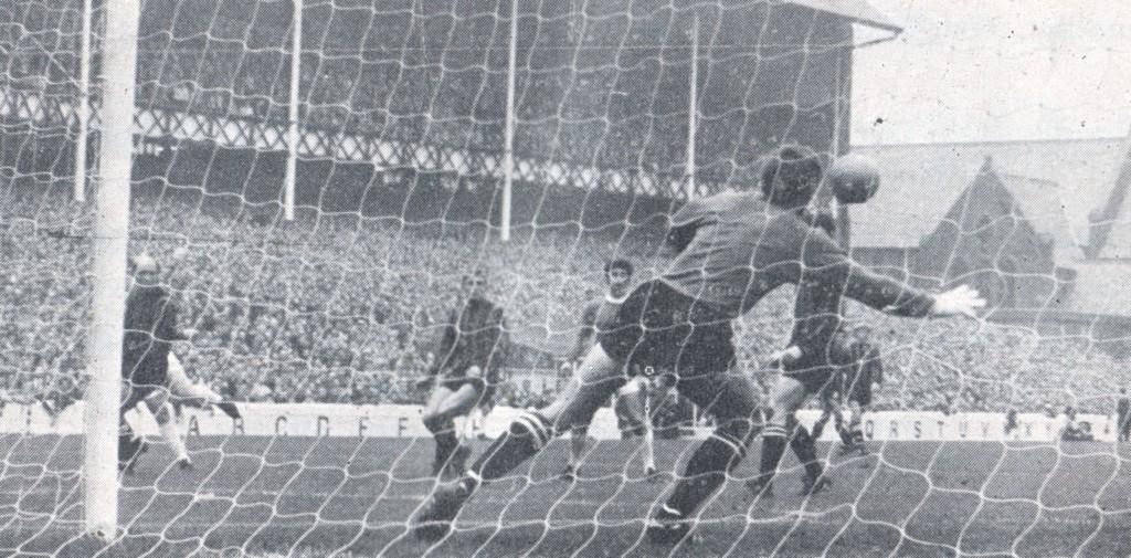 everton away 1968 to 69 ball scores for everton