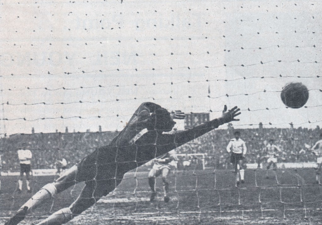 luton fa cup 1968 to 69 lee goal