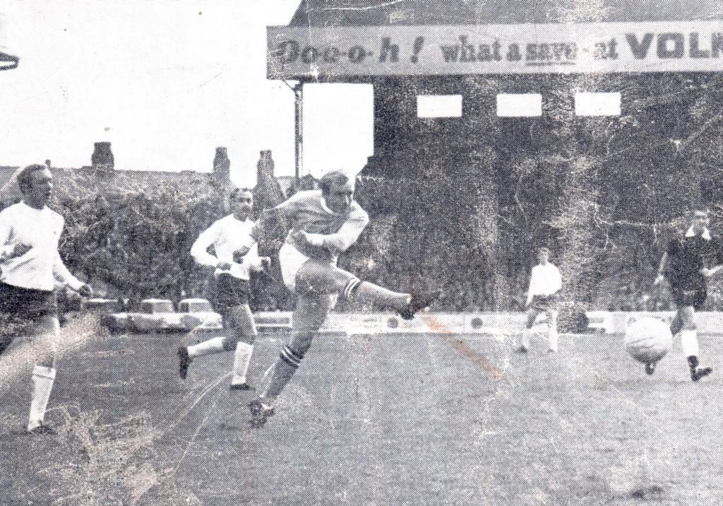 tottenham home 1968 to 69 lee goal