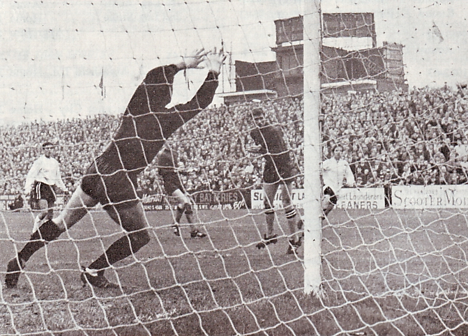 fulham away 1967 to 68 action
