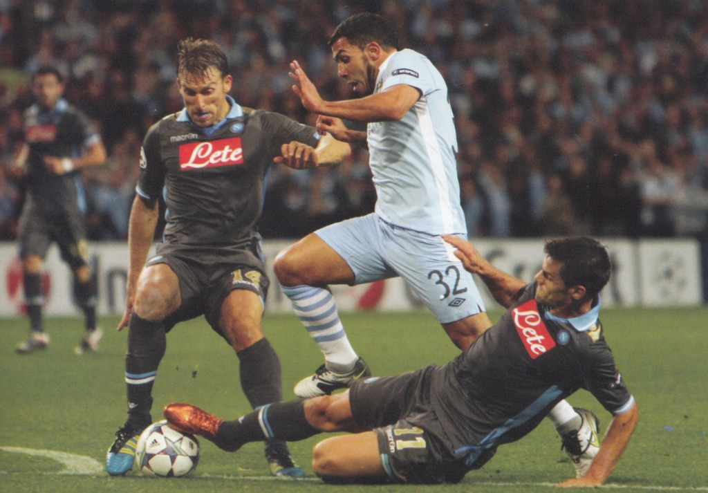 napoli home 2011 to 12 action71