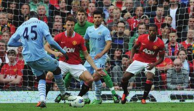 man utd away 2011 to 12 balotelli goal 1-0