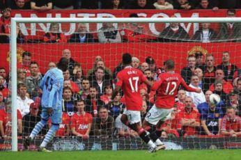 man utd away 2011 to 12 balotelli goal 2-0